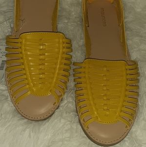 Maurices yellow flats/ sandals sz8